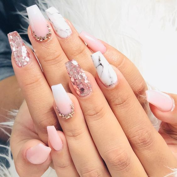 fascinating coffin acrylic nails; birthday nails design; Queen nails art; french ombre nails with gold glitter; baby boomer; coffin nails; ombre nails; acrylic nails; #birthdaynails