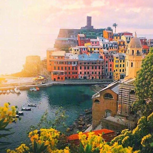 The most famous and beautiful fishing village in the world - Italian Cinque Terre; Travel Guide;