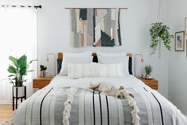 Bedroom decor; cozy bed room decor apartment; modern bed room decor ideas on a budget; bed room decor ideas rustic #bedroomdecor