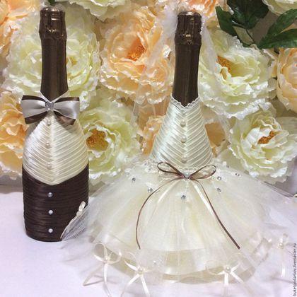 his and her glasses wedding; champagne glasses decorated; wedding glasses; personalized wedding glasses; wedding champagne glasses toasting#homedecor#dinningroomdecor#tabledecor