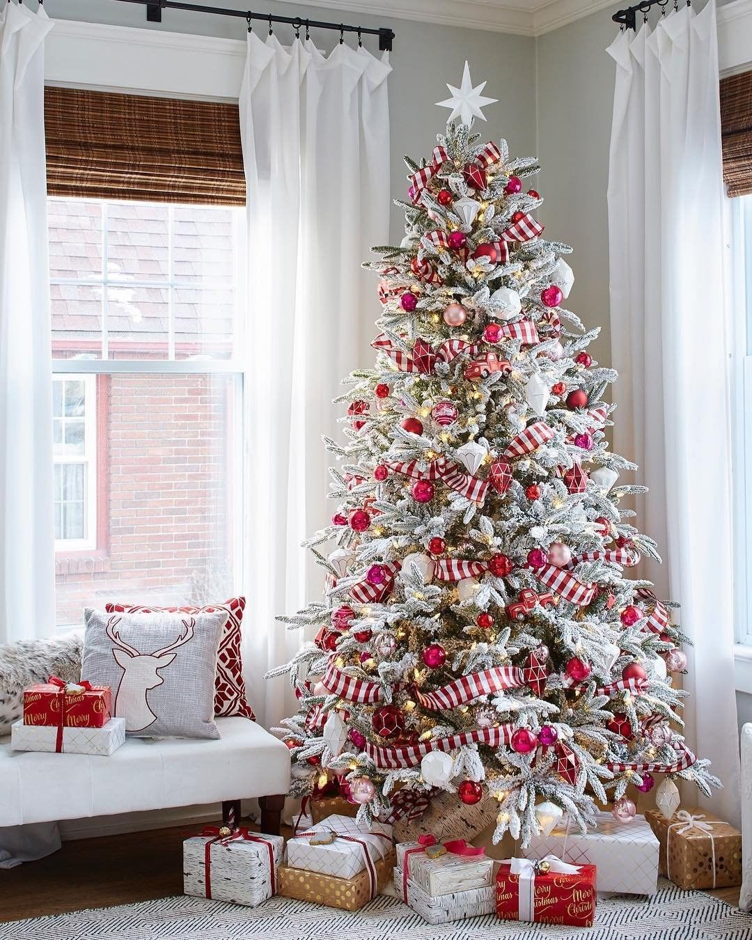Christmas Farmhouse decor ideas; 2019 Christmas party decor ideas; Christmas crafts; christmas decorations
