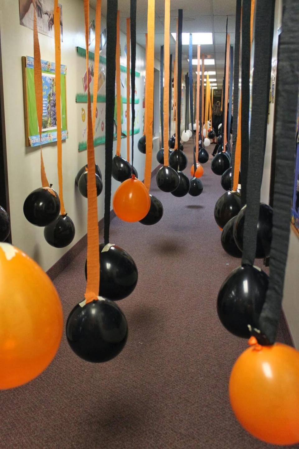 40+ Easy DIY Indoor Halloween Decor and Display Ideas Sumcoco