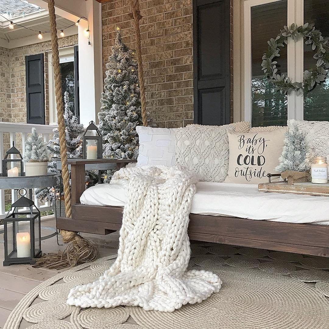 Christmas Farmhouse decor ideas; 2019 Christmas party decor ideas; Christmas crafts; christmas decorations