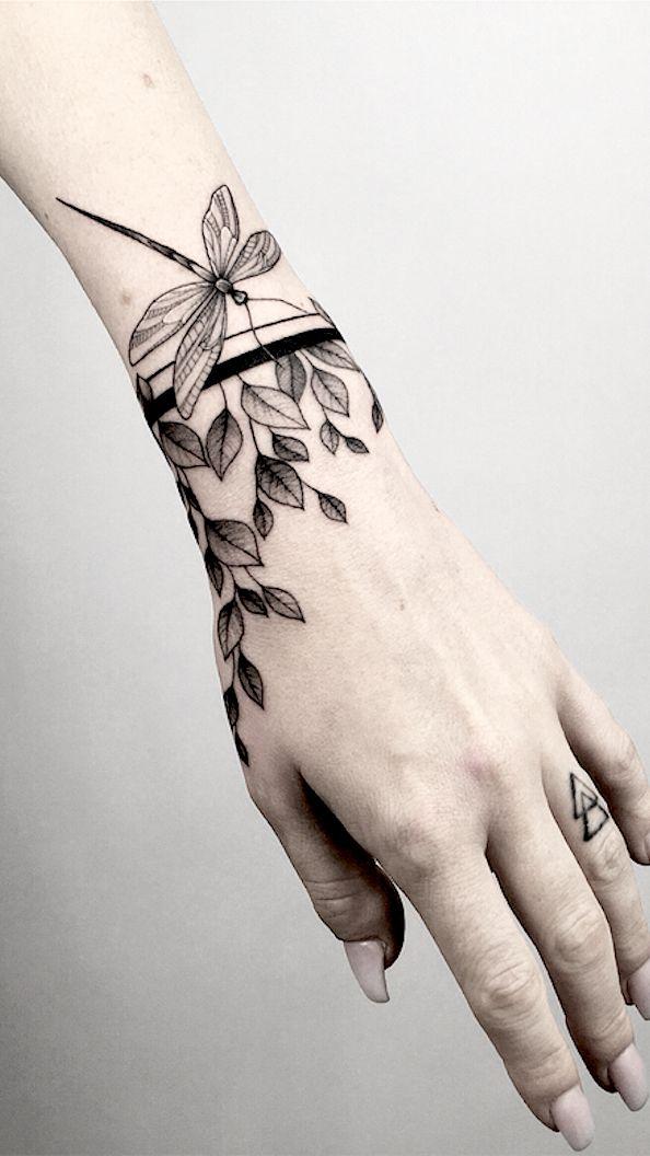 Mini Tattoos On wrist; Simple wrist Tattoo; Beautiful Tattoos; Sex Tattoos; Mini Tattoo; Meaningful Tattoos; #wristtattoos #minitattoos