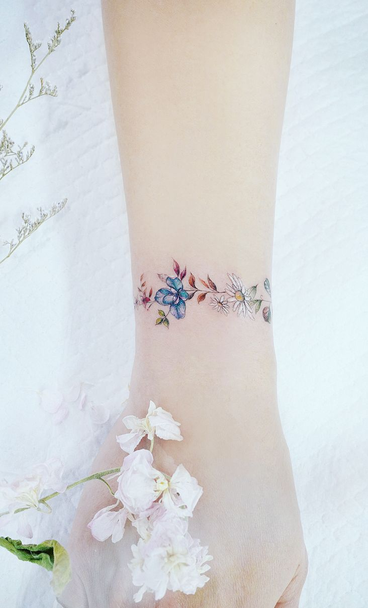 Mini Tattoos On wrist; Simple wrist Tattoo; Beautiful Tattoos; Sex Tattoos; Mini Tattoo; Meaningful Tattoos; #wristtattoos #minitattoos