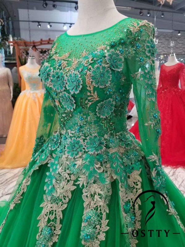 Christmas party dress,Christmas color dress,Christmas make up,Christmas decor,Christmas party