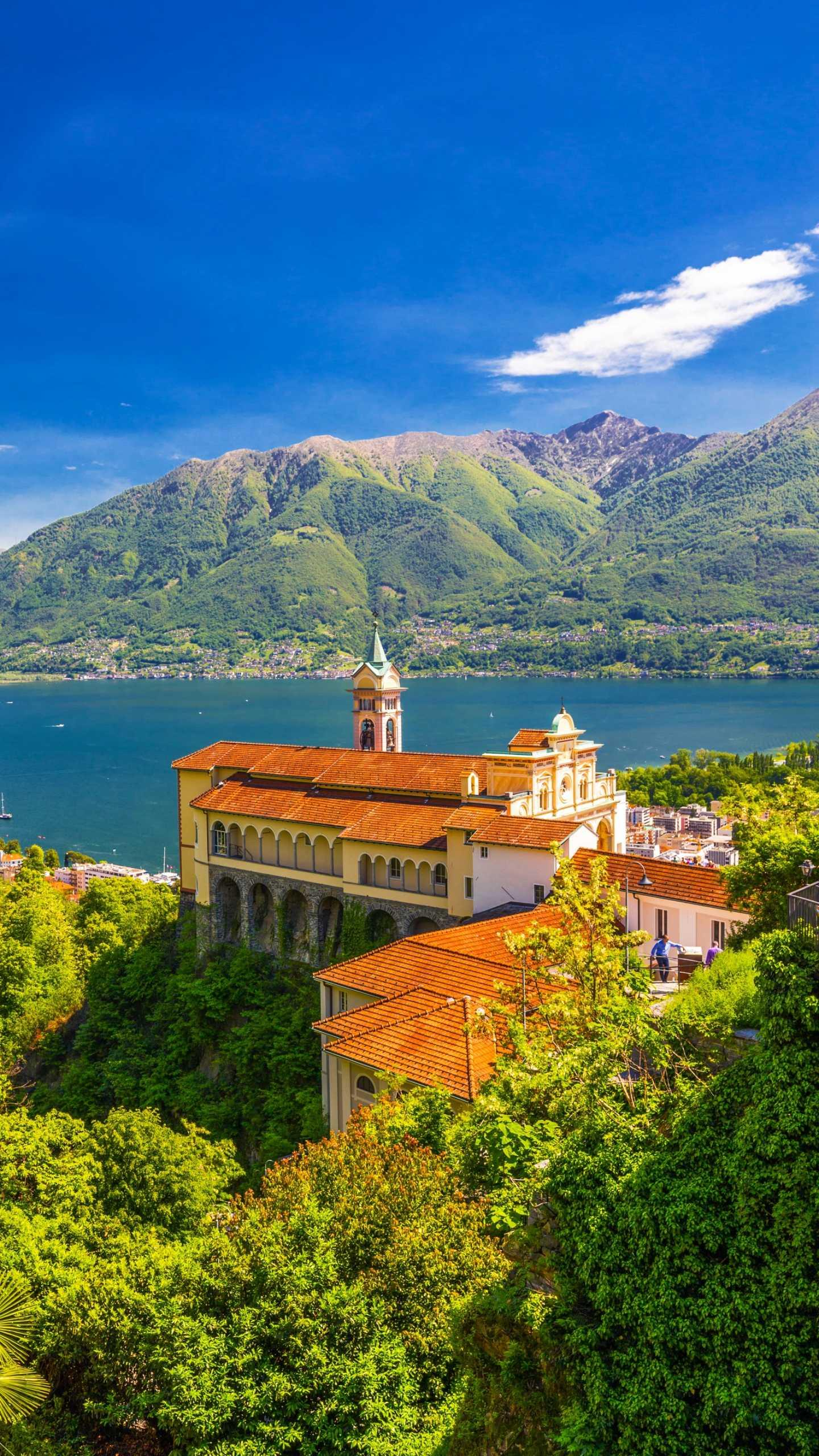 Switzerland - Locarno h. The beautiful lakes and mountains of Locarno and the ancient European architecture are naturally blended with the simplicity and tranquility under the sun.