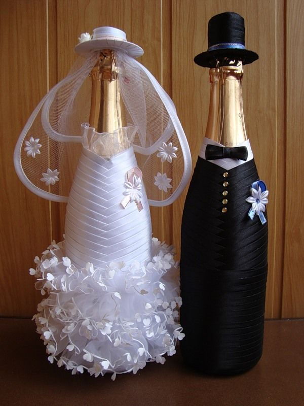 wedding bottle decoration,decorative bottles,bride and groom wine bottle covers,pimped bottles wedding,wedding decoration