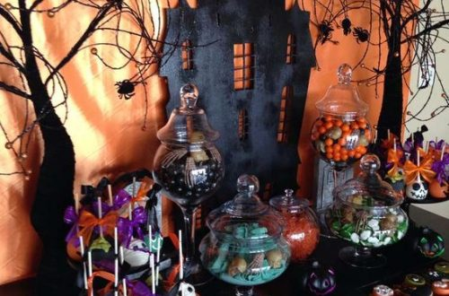 Halloween Dessert Table, Halloween Food, Halloween Home Decorations, DIY Halloween Dessert #Halloween