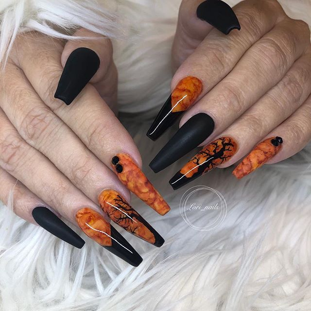 Best Halloween Nails Art Design You Should See Before Halloween, Halloween Nail, Scary Halloween Nail, Scary Halloween Nail Art Design, Nail Art Design, Halloween, Halloween Nail Art Design Ideas, Pumpkin Nail Design, Skull Nail Design, Spooky Nail Art,