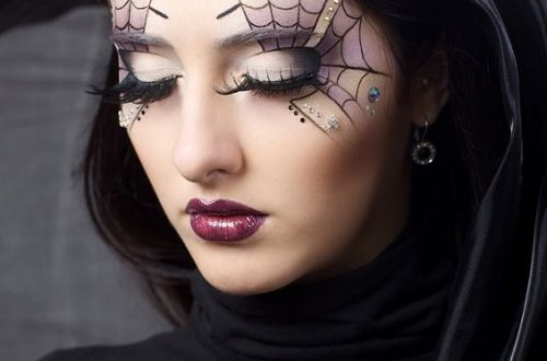 Halloween makeup, Halloween spiderweb eyeliner tutorial, halloween makeup videos #Halloween