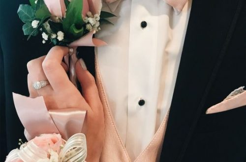 Boutonniere, Wrist Flower, Groom, Bride, Bridesmaid, Wedding,Marriage, Wedding Scene, Wedding Ceremony, Wedding Photography,Wedding Flowers, Wedding Decorations, Groom And Bride