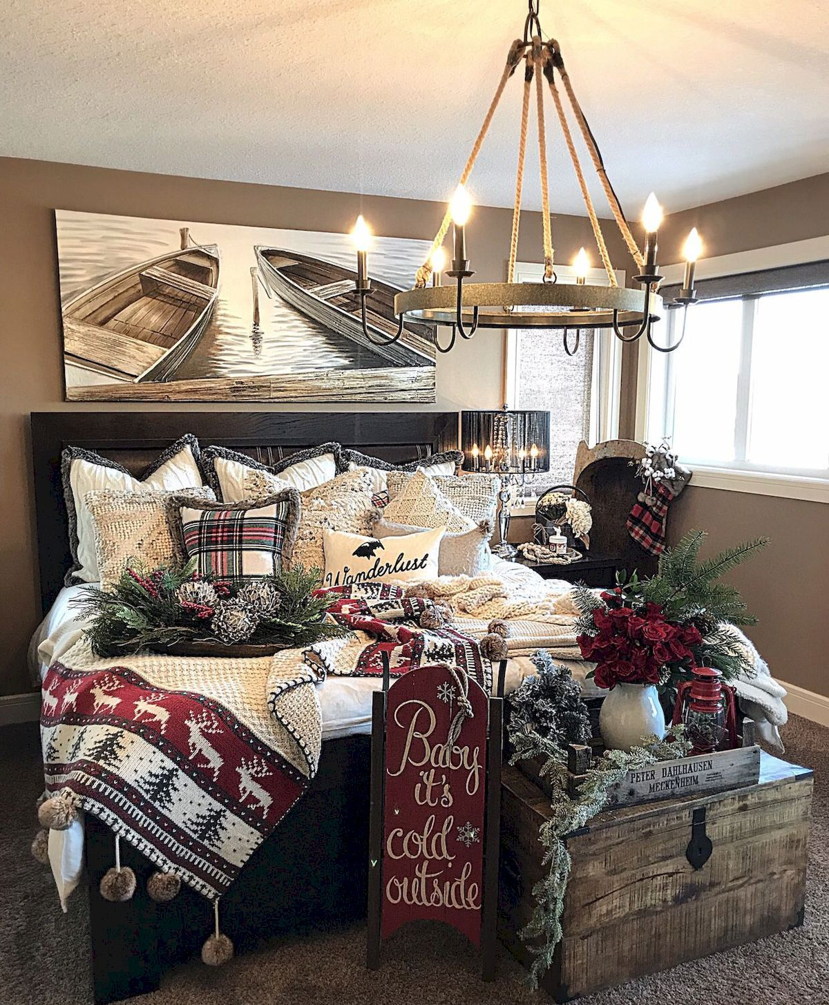39 Trendy & Cozy Christmas Bedroom Decorating Ideas