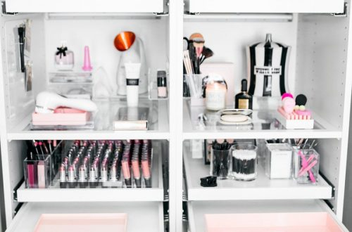 How to Organize & Display Makeup in Cool Ways, makeup organization,makeup vanity,makeup storage organization small spaces